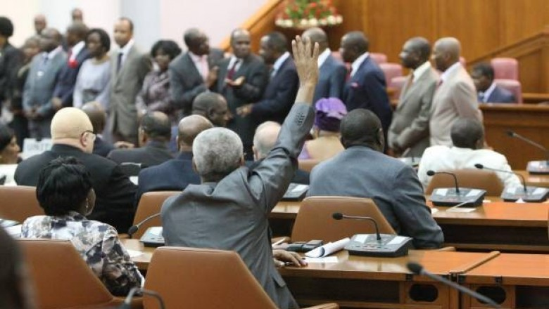 Deputados esquivam debate sobre repatriamento de capitais