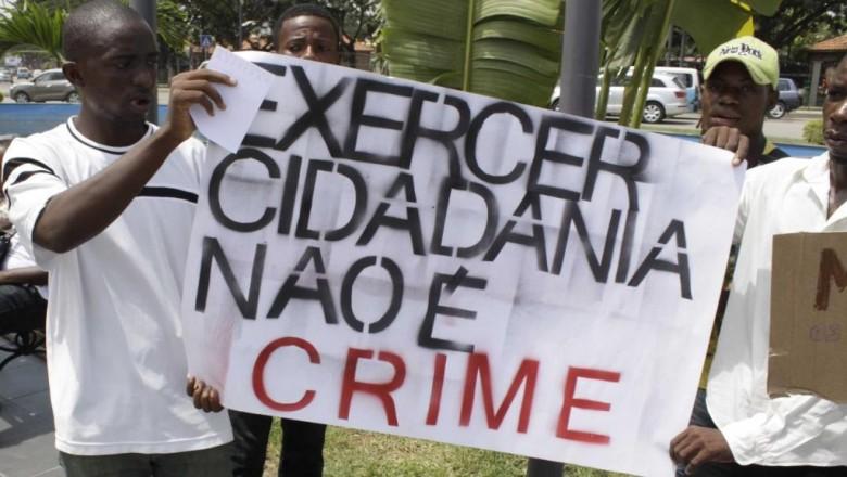 Polícia impede manifestação no Largo 1º de Maio
